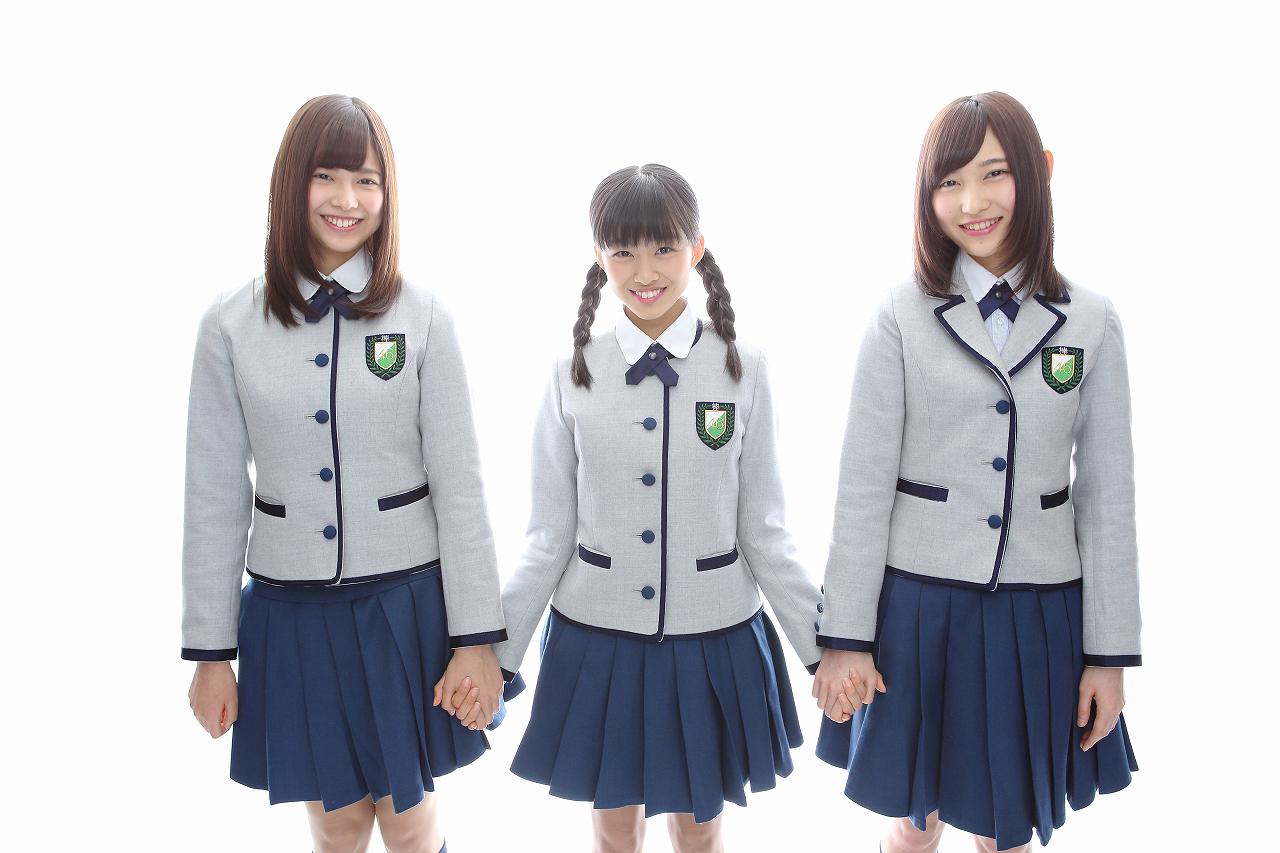 写真左から渡邉理佐(チョキ)、原田葵(グー)、志田愛佳(パー)で決定