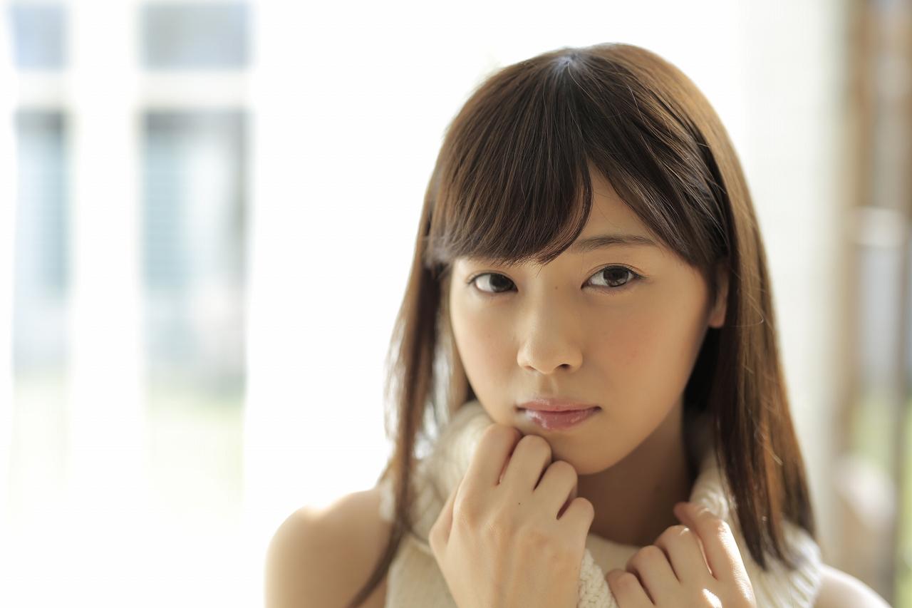 顔の肌がきれいな西野七瀬さん