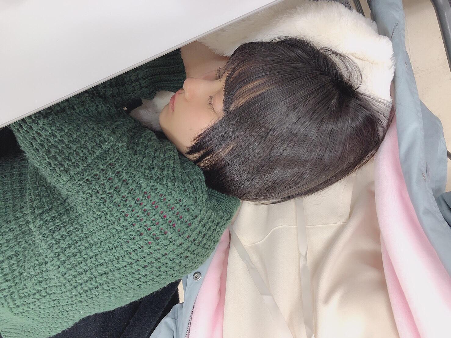 私のコートを枕にして、おやすみ舞香