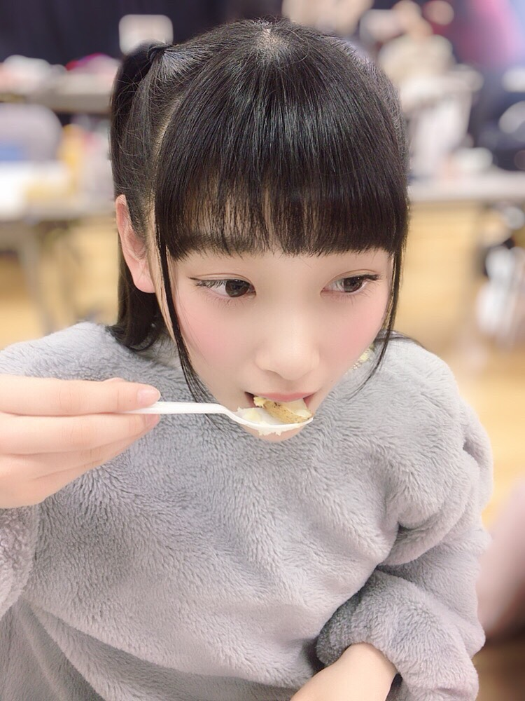 ジャガイモおいしいかぁ! そうか、そうか! たーんとお食べ!
