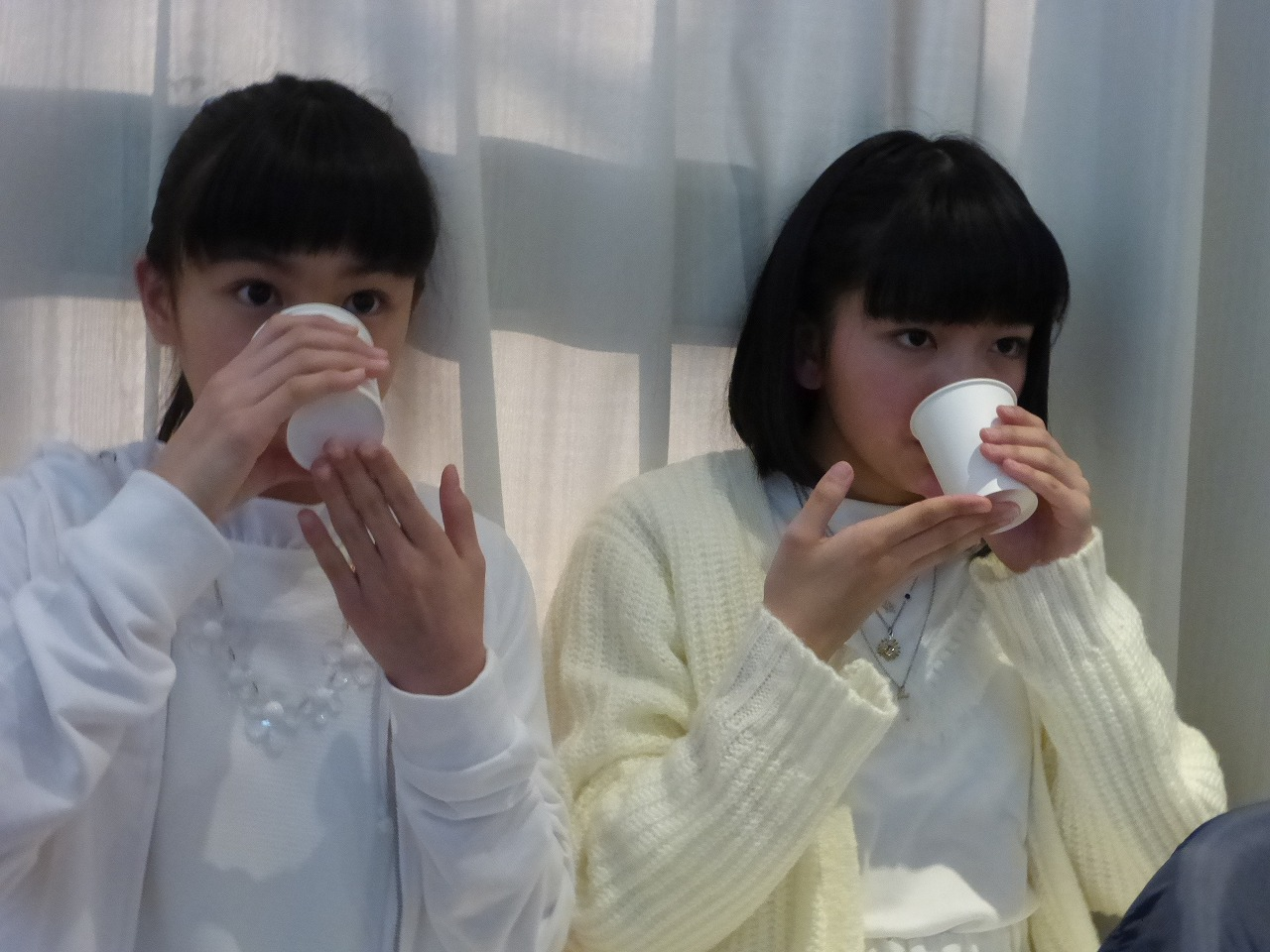 お茶が…旨い。(左:蒼良/右:理子)