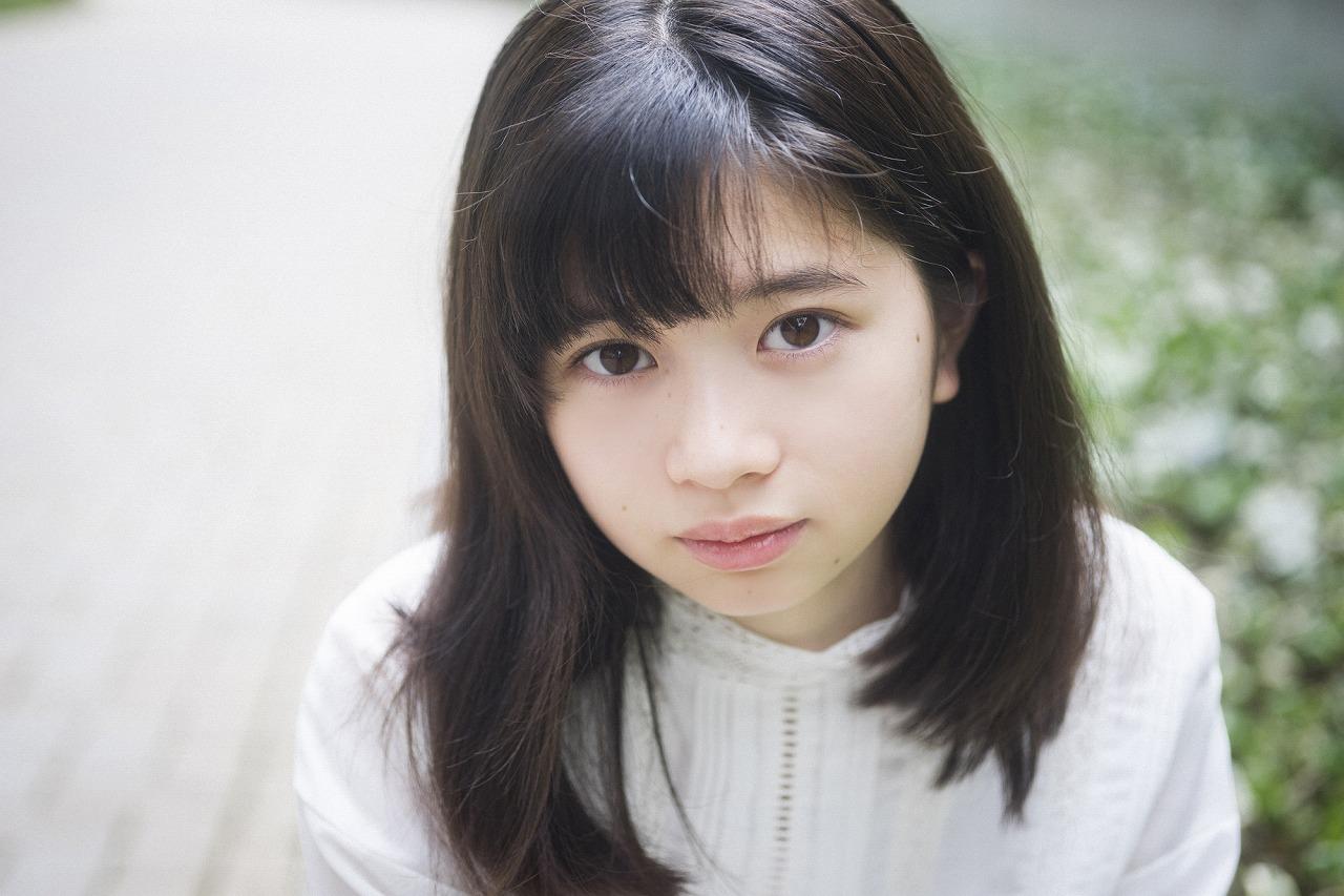 桜田ひよりはハーフ顔の美人だけど日本人?私服コーデもかわいい!