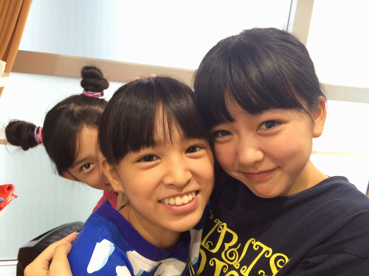さくら.........!!(左:さくら/中央:蒼良/右:理子)