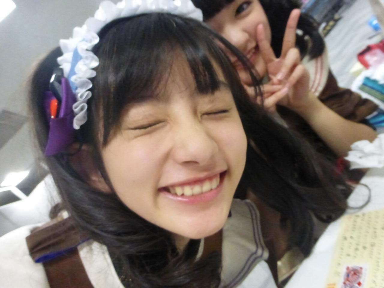カメラの前に割り込んだくせに目をつぶるちゃん瀬田。ねらい??(さくら/理子)