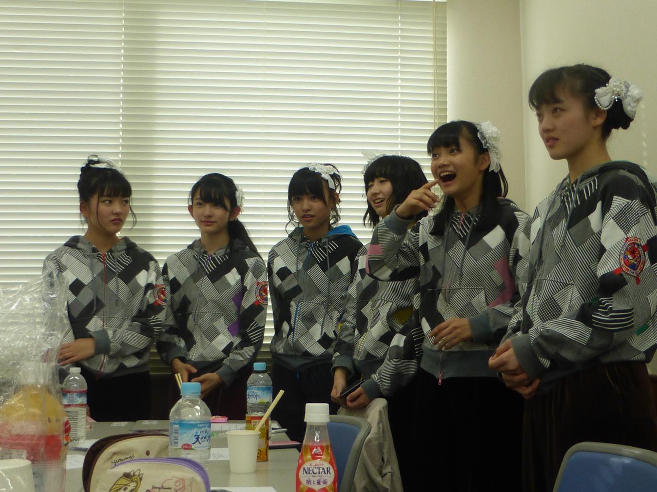 4thシングル「MEGRRY GO ROUND」リリースイベント初日。(ばってん少女隊)
