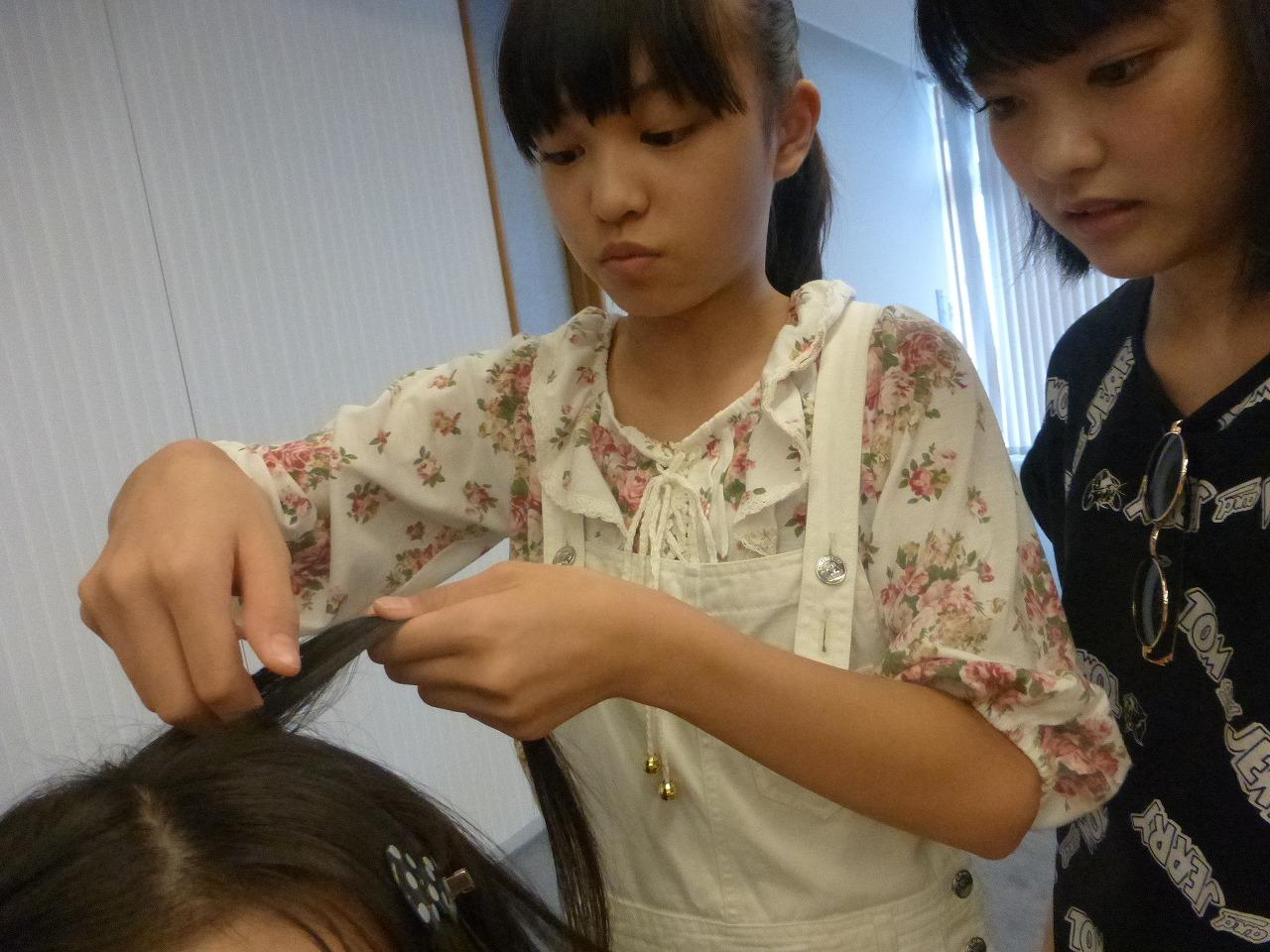 蒼良が髪を作ります。頭は愛かな?(蒼良/理子)
