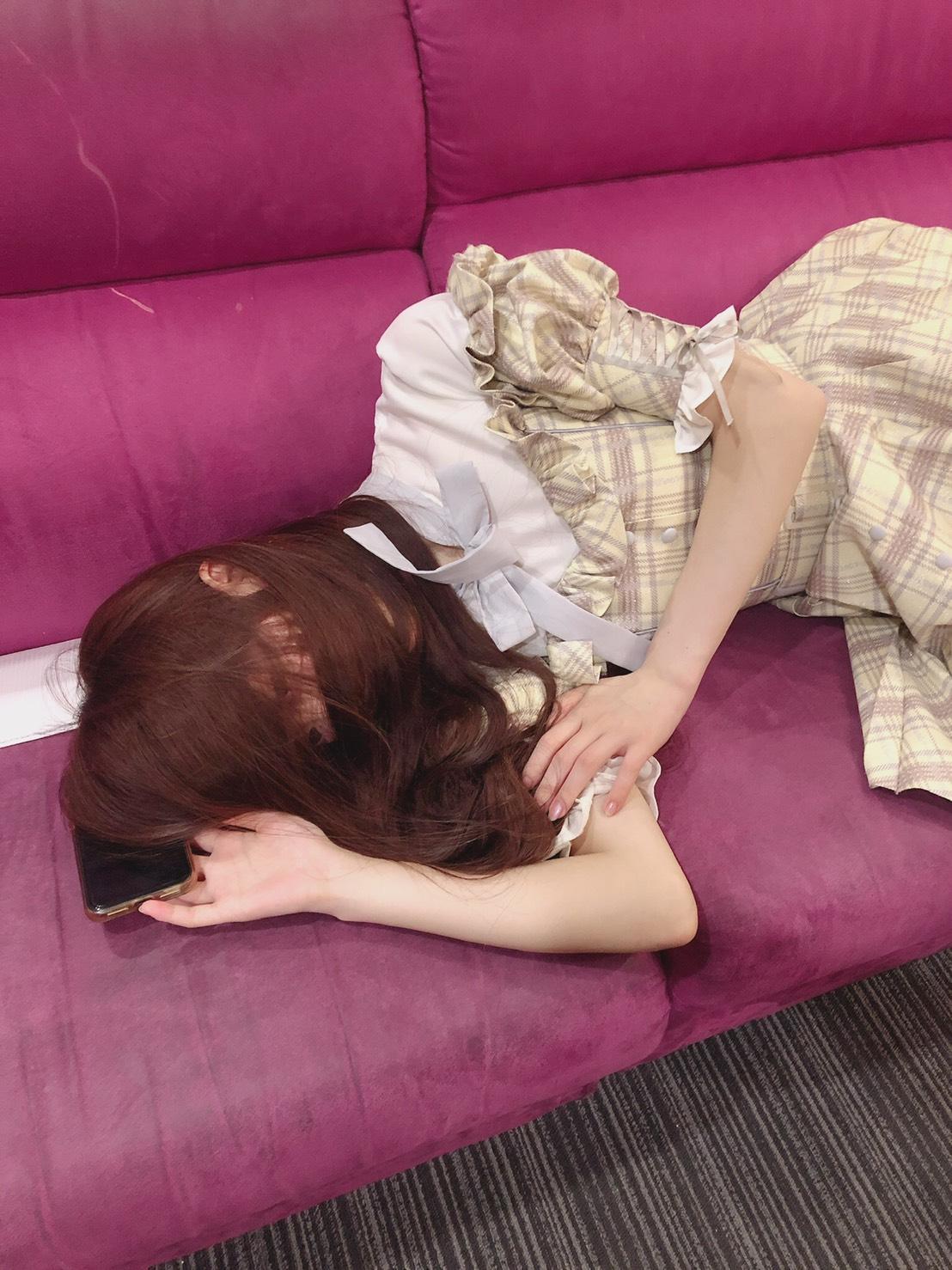 みりにゃ様、睡眠の妨害をしてしまいすみません。何でもします(?)。
