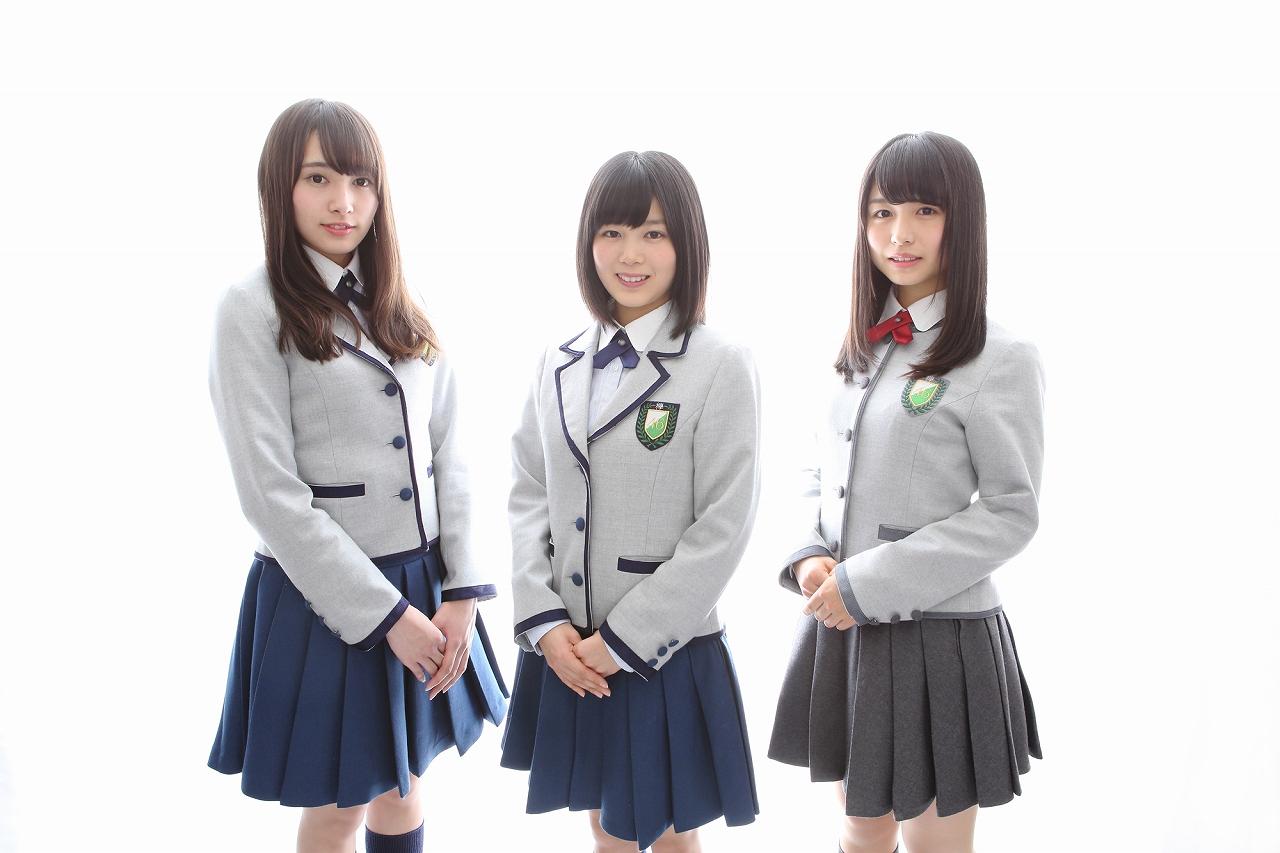 写真左から渡辺梨加(チョキ)、尾関梨香(パー)、長濱ねる(グー)で決定